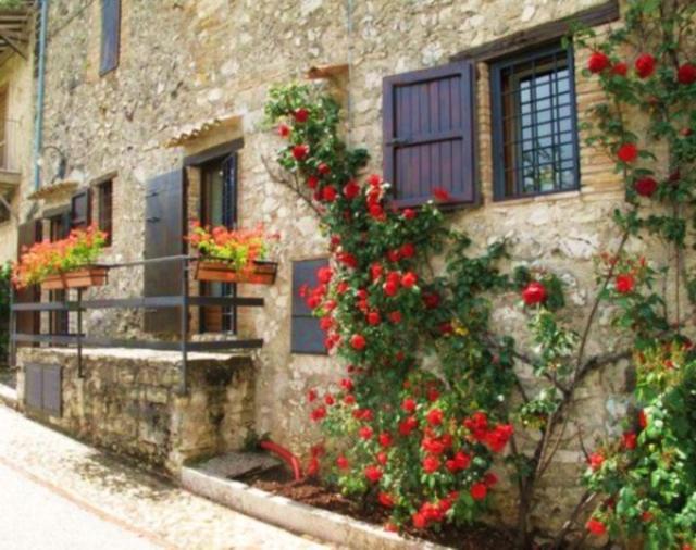 Case Di Montagna In Pietra : Mini case da sogno che vi faranno vivere alla piccola